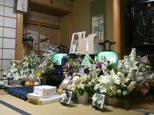 スローライフ日記 (ガンとの闘病日記はもうすぐ終わりにします)-母の周りはお花でいっぱい