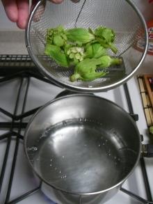 スローライフ日記 (癌との闘病日記はもうすぐ終わりにします)-鍋に水を沸騰させる