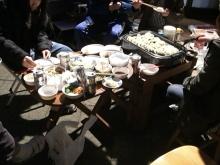 東京でプチスローライフ-みんなでワイワイ食べてます
