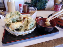 ログハウスでワインを楽しむスローライフ日記-つる梅の天ぷら盛り合わせ