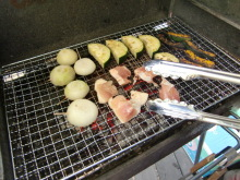 ログハウスでワインを楽しむスローライフ日記-鶏肉を焼く