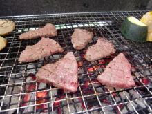 ログハウスでワインを楽しむスローライフ日記-牛肉を焼く