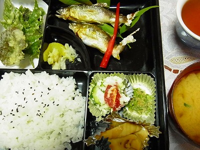 6食堂松坂の鮎定食