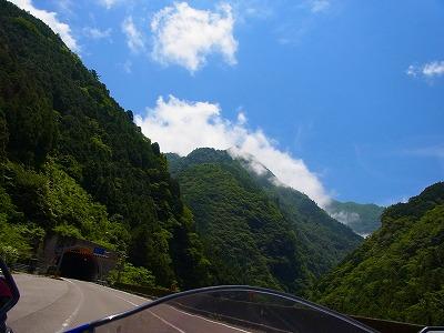 2寒風山トンネルへ
