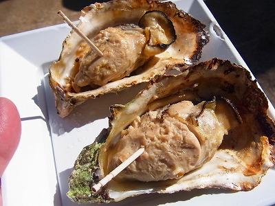 37宮島で焼き牡蠣