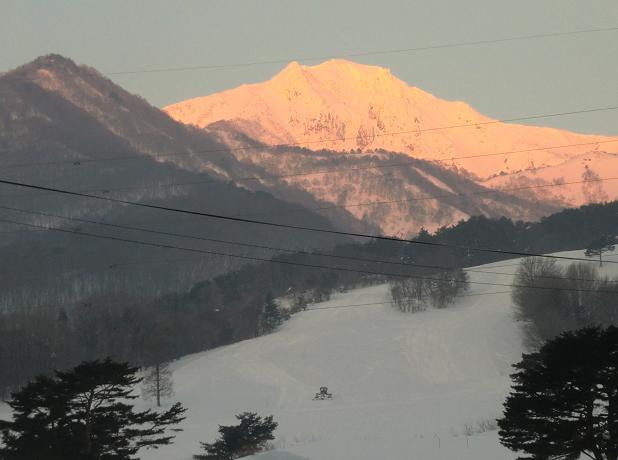 朝焼けの磐梯山2