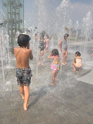 噴水水遊び