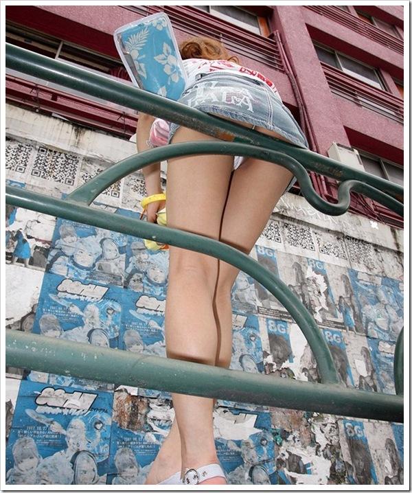 スレンダー美乳おっぱい美女との濃厚セックス画像