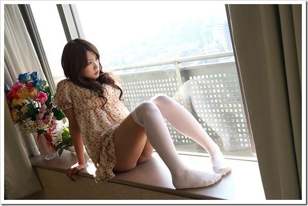 スレンダー美脚萌え女セクロス色白おっぱいハメ撮り画像