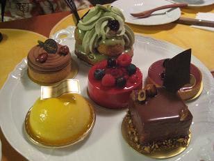 アカシエーケーキの会