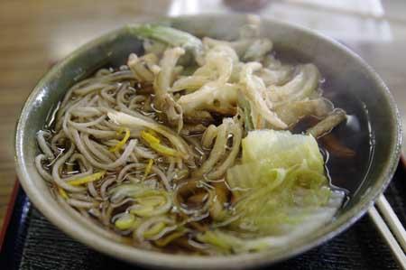 山麓亭にて・天ぷら蕎麦