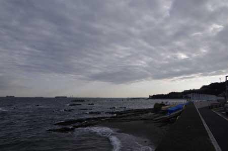 馬堀海岸より対岸は木更津