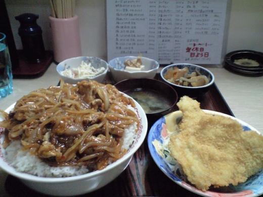ガッツ 豚キムチ丼定食大盛り1