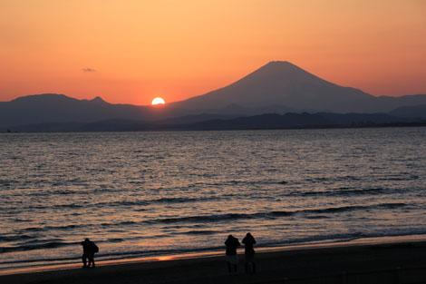 日没の江ノ島