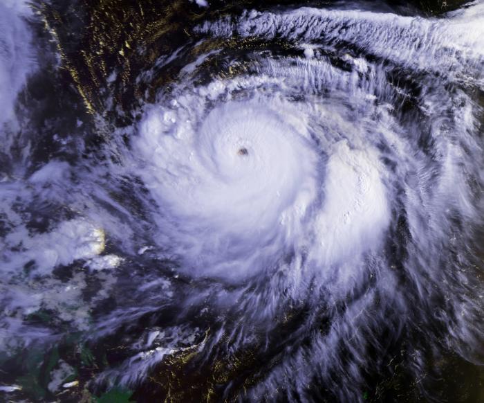 Typhoon_Mireille_22_sept_1991_2236Z_convert_20100829144823.jpg