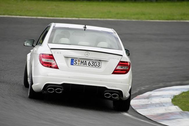 2012-Mercedes-Benz-C63-AMG-5.jpg
