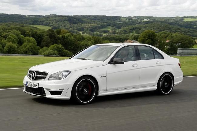 2012-Mercedes-Benz-C63-AMG-8.jpg