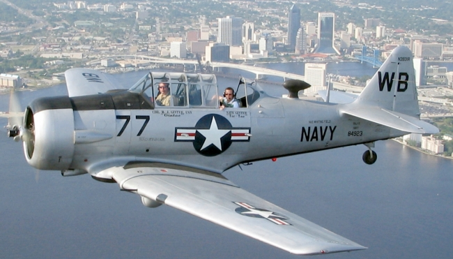 T-6_Texan_Jacksonville_a.jpg