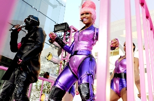 nicki-minaj-william2010vma300.jpg