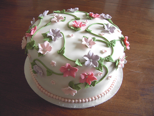 Cake Decorating Ideas Fresh Flowers : Wedding Cake Decorating Ideas for a Memorable Event ...