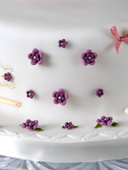 Cake Art Flowers : Wedding Cake Decorating Ideas for a Memorable Event ...