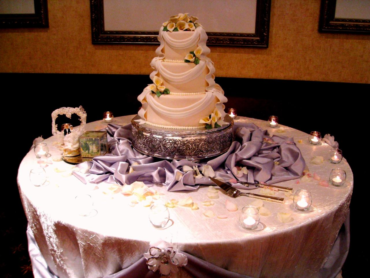 Cake Table Decoration 37 Creative Wedding Cake Table Decorations