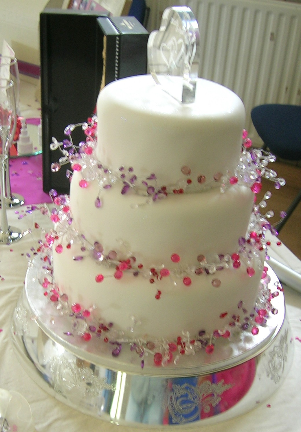 Blogs About Cake Decorating : Fancy Wedding Edibles   Cakes, Favours And Decorations For ...