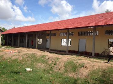 ワットタメイ小学校建設