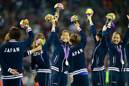 02s-サッカー女子20120810_02