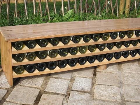 ワイン棚のベンチ