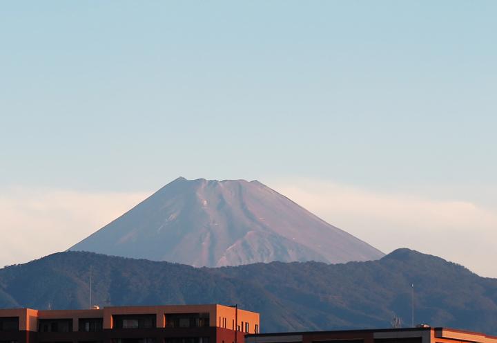 21日 5-57 今朝の富士山-2