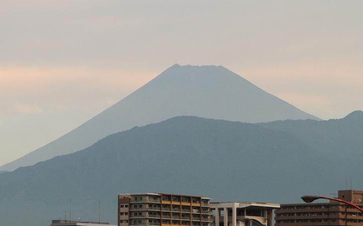 22日 6-8 今朝の富士山1-5