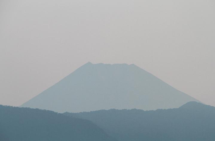 23日 5-33 今朝の富士山-3