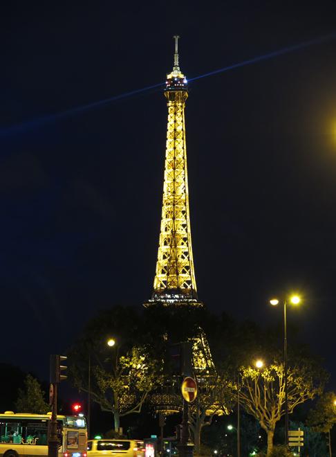 エッフェル塔の夜景-1
