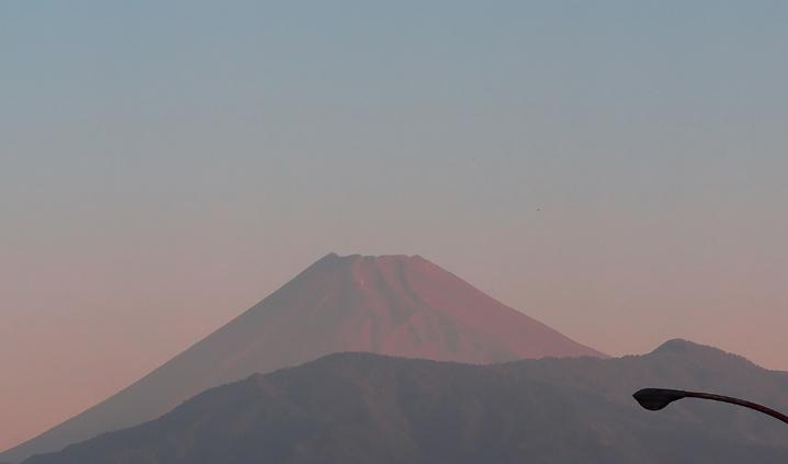 29日 6-05 今朝の富士山-2