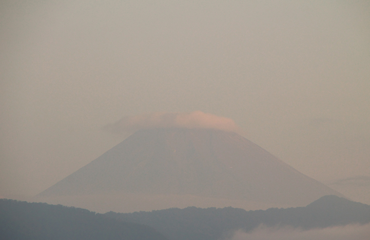 2日 6-06 今朝の富士山