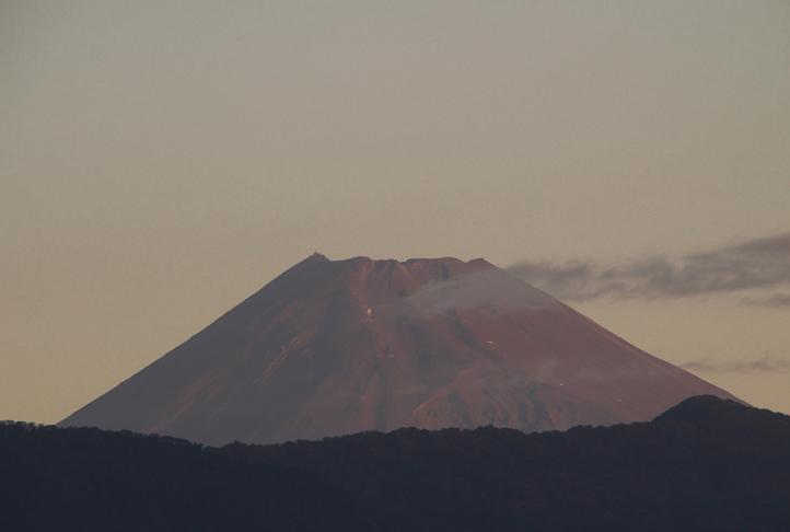 8日 6-06 今朝の富士山-2