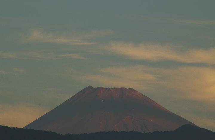 10日 6-55 今朝の富士山1