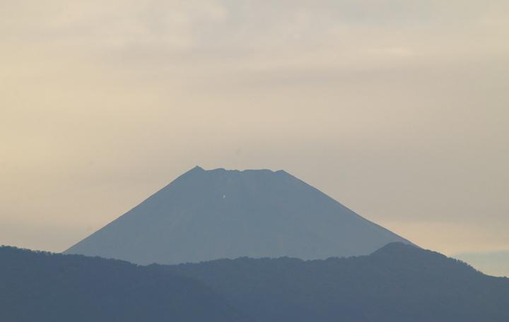 11日 7-00 今朝の富士山