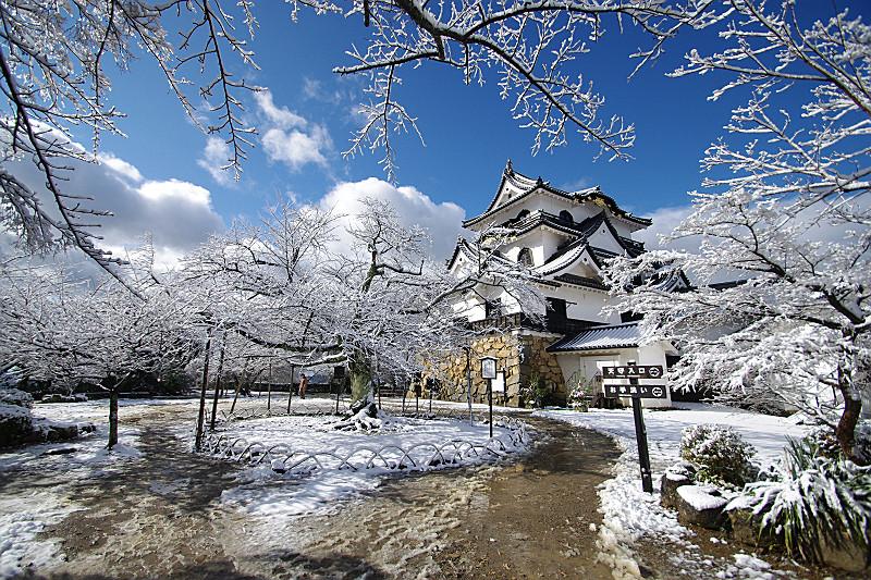 雪の天守閣2