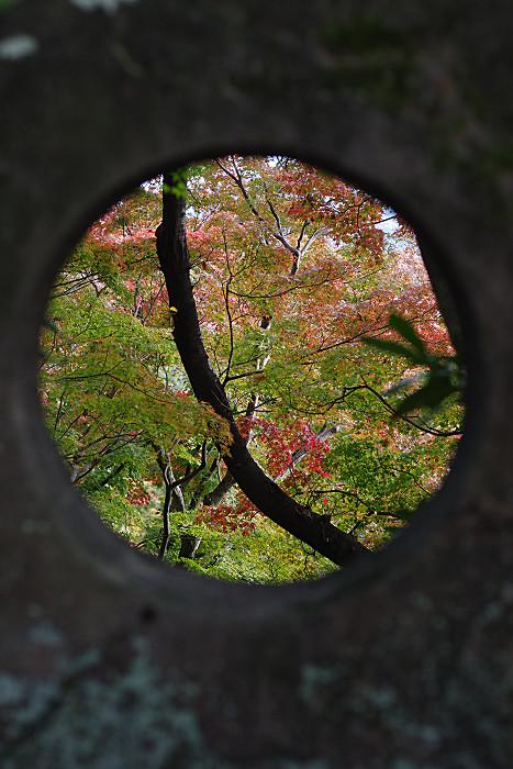 悟りの石窓