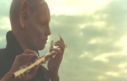 笛を吹く悪魔