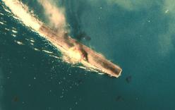 アメリカ戦艦に特攻して炎上