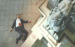東京・日本橋の麒麟像の下で死んだ青柳武明