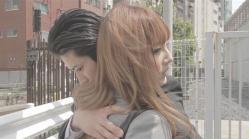 純子を抱きしめる一朗