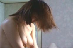 麗子のたわわな乳房