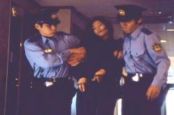 警察に捕まった麗子の過去