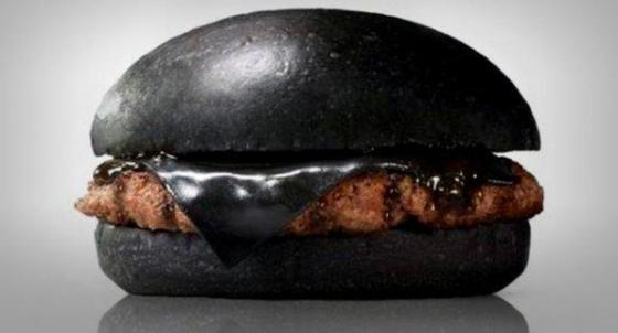 中国人「日本の黒バーガーがヤバい」 中国の反応