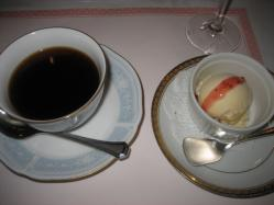 コーヒーとデザート(この日はアイス)付き