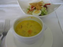 サラダとかぼちゃのスープ